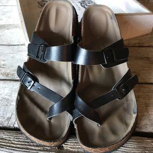 Steve Madden black sandals. 7-7.5.